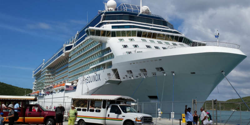 Celebrity Equinox paa Dominica