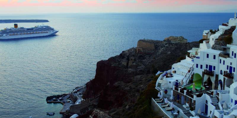 Costa Fascinosa i det østlige Middelhav ved den græske ø Santorini